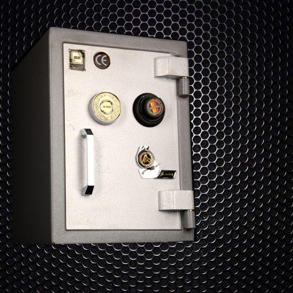 صندوق ۲۵۰KR کلید و رمزتایوانی